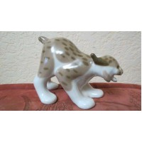 Porcelain figurine Lynx-ears with tassels ready for jumping USSR vintage 60-70th