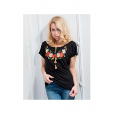 Charming black T-shirt with satin stitch embroidery
